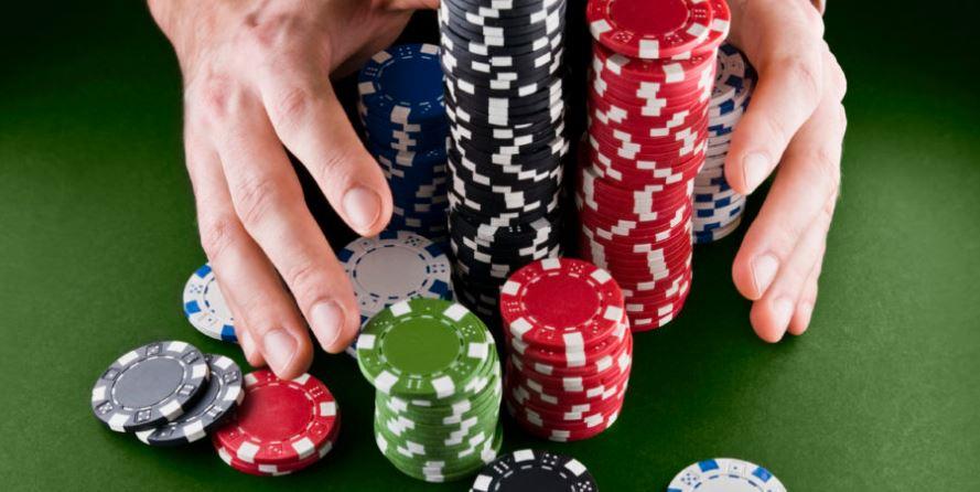 4 Teknik Mengalahkan Lawan Dalam Poker IDN